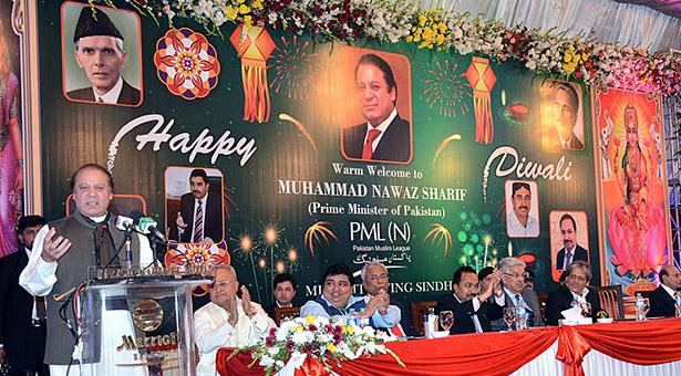 Prime Minister Nawaz Sharif celebrated Diwali-Holi with Hindu community.